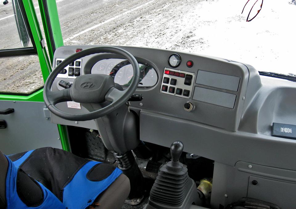 Место водителя автобуса