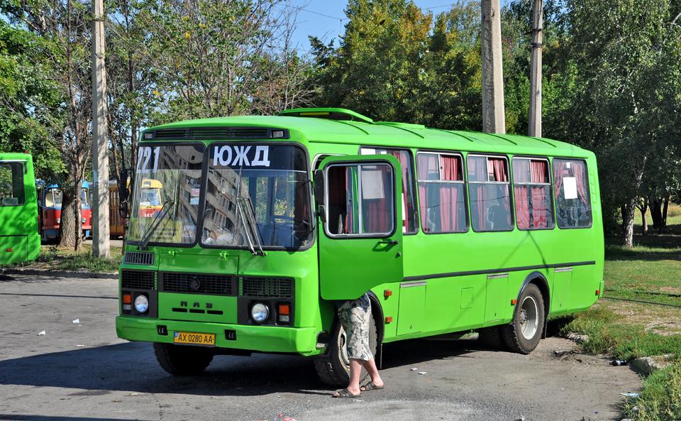 """ПАЗ-4234 гос.AX0280AA 221-го маршрута на конечной станции  """"Проспект Победы """" ."""