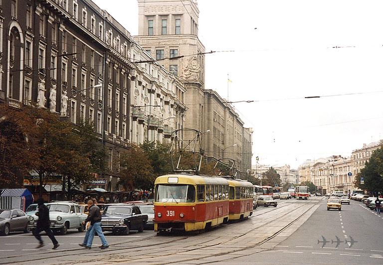 http://gortransport.kharkov.ua/tram/ps/t3/photo/khr_t3__391_19981002_x1.jpg