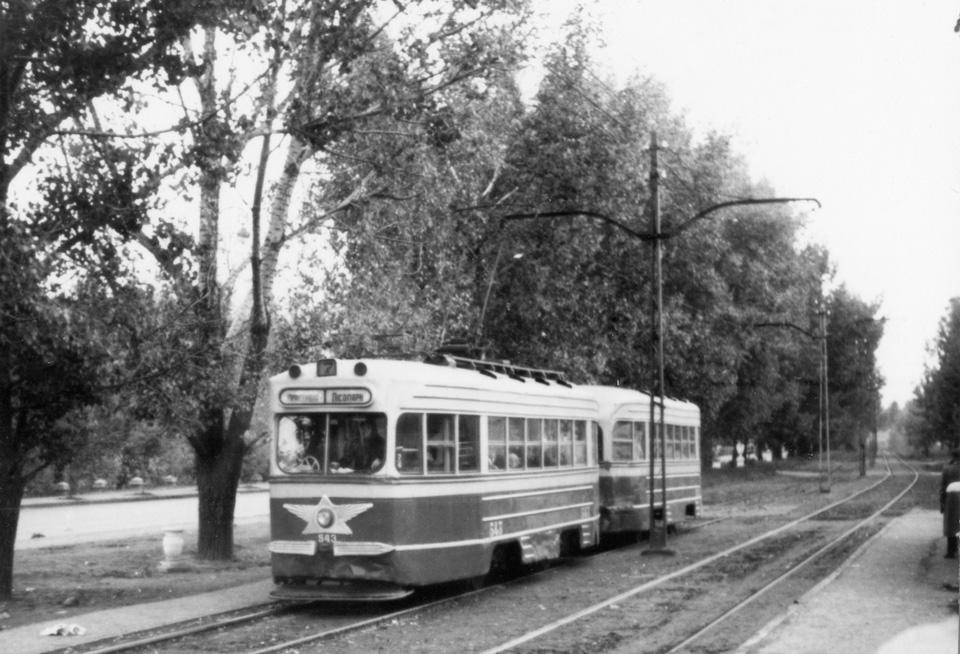https://gortransport.kharkov.ua/tram/ps/ktm1/photo/khr_ktm1_543_1960_x1.jpg